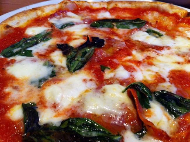 Pizza   © Nacho/Flickr