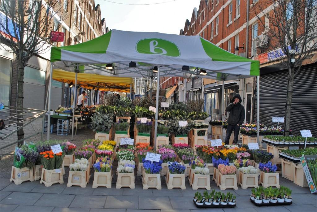 HiIldreth Street Market flower stall| © Alyssa Erspamer