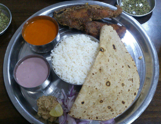 Fish thaali at Sandip, Fort. Image Courtesy : Zomato