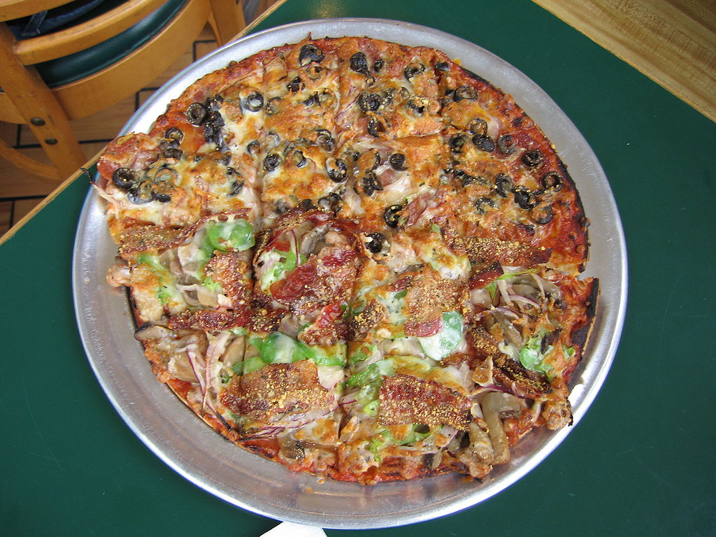 A St. Louis-style pizza | © Ch473/WikiCommons