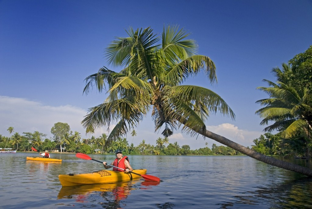 Kayaking the backwaters of Kerala|©Frits Meyst/Adventure4ever.com