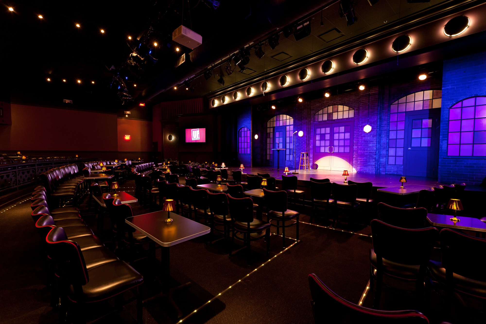 Comedy club deals chicago