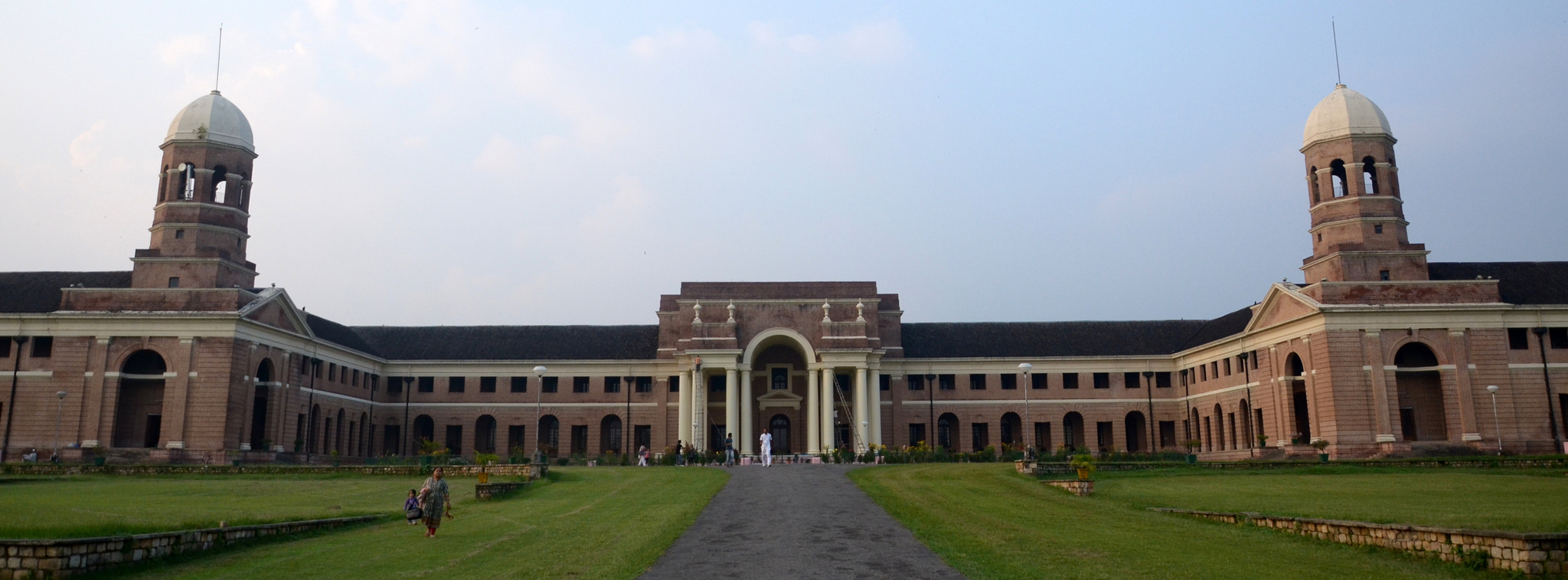 Dehradun 39 s enchanting forest research institute for Cloud 9 salon dehradun