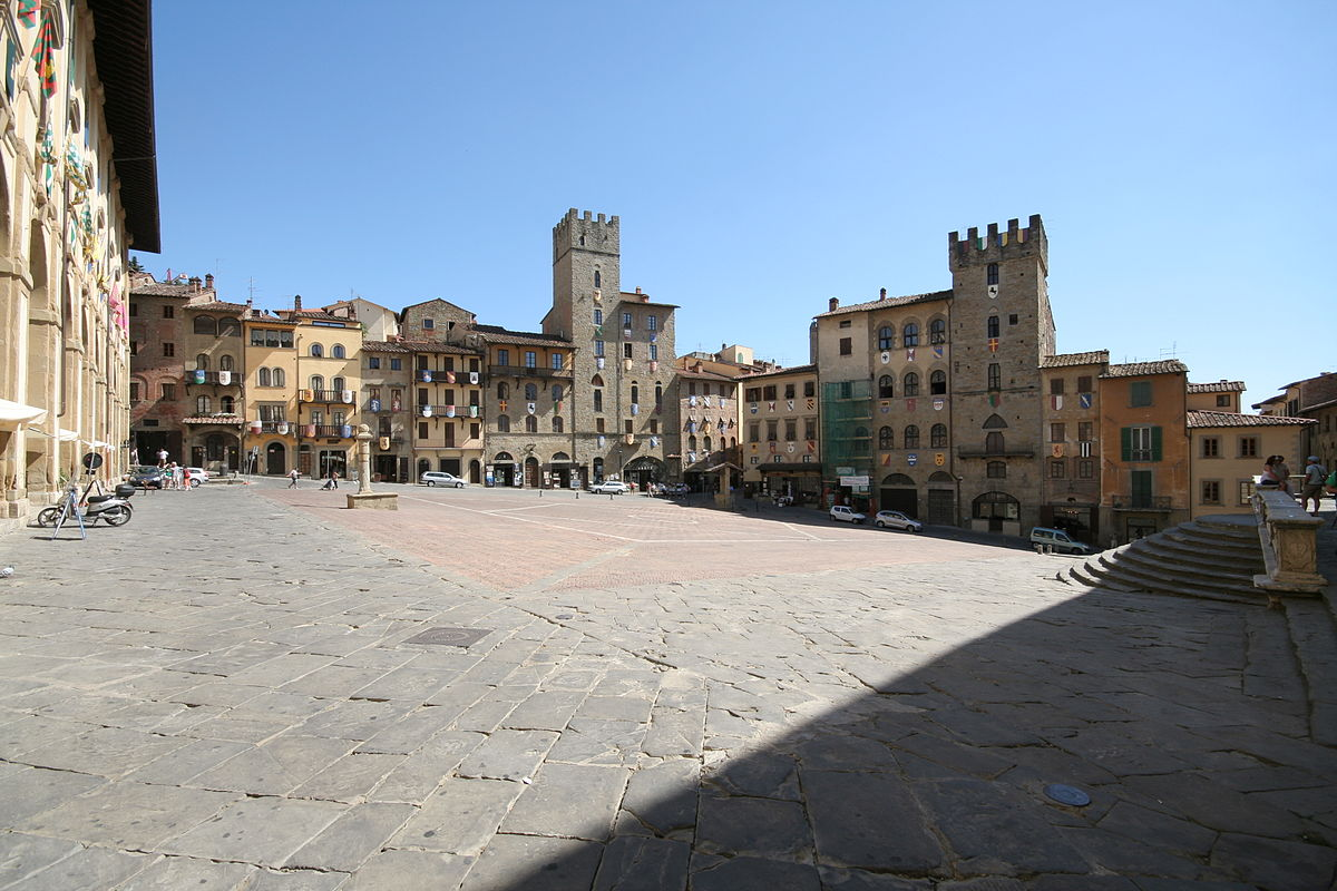 Piazza Grande, Arezzo | © EnlightenmentReloaded/WikimediaCommons