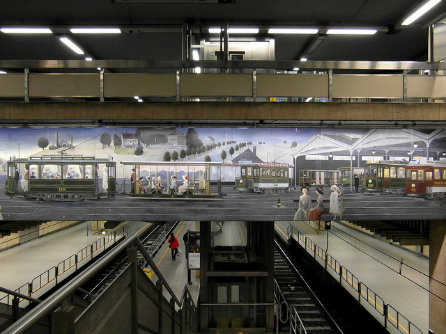 The Delvaux mural on the mezzanine of the Bourse underground station | © Ingolf/Flickr