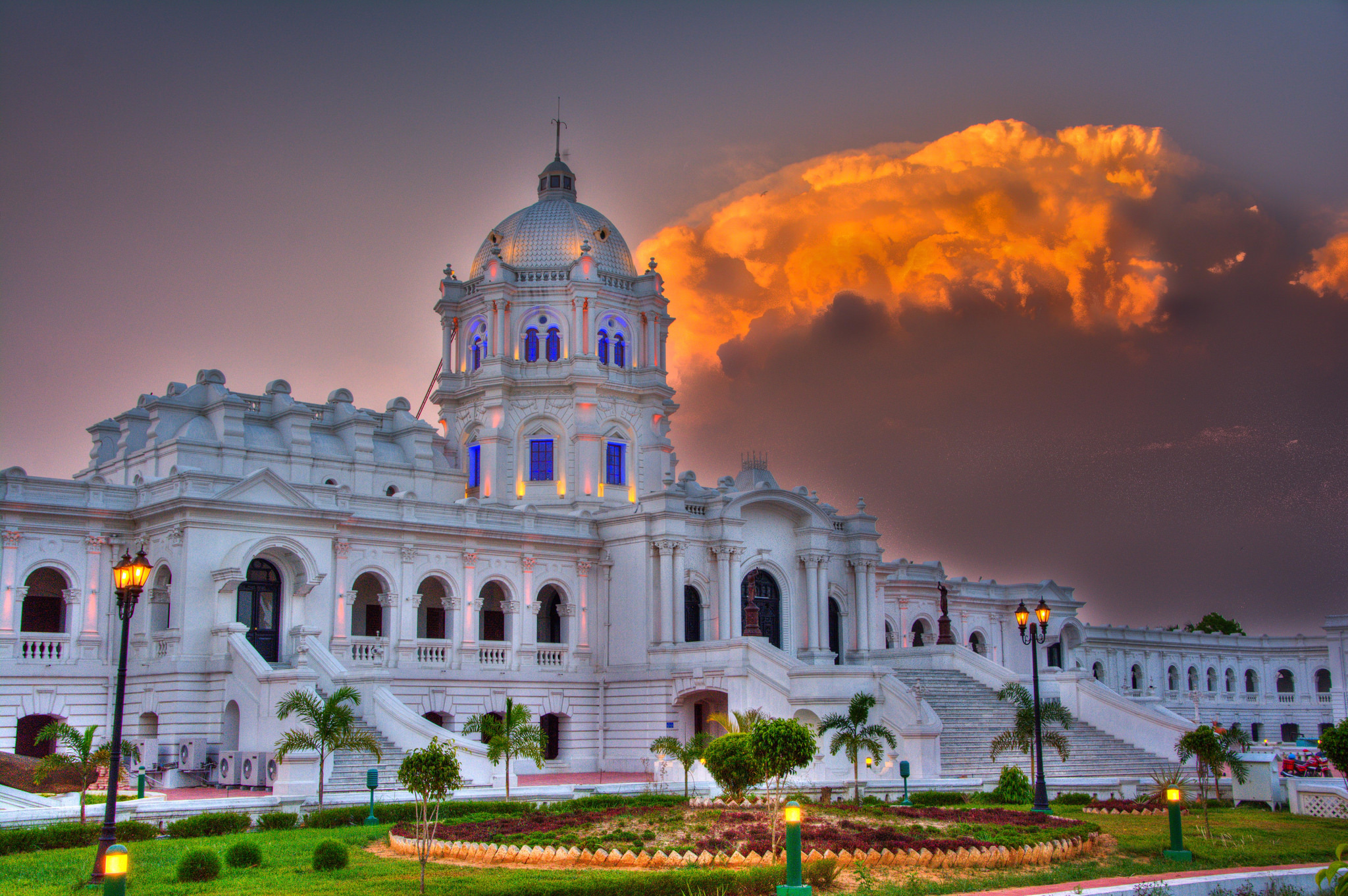 The splendid Ujjayanta Palace, now a museum, of the royal family of Tripura ©Flickr/Sharada Prasad CS Follow