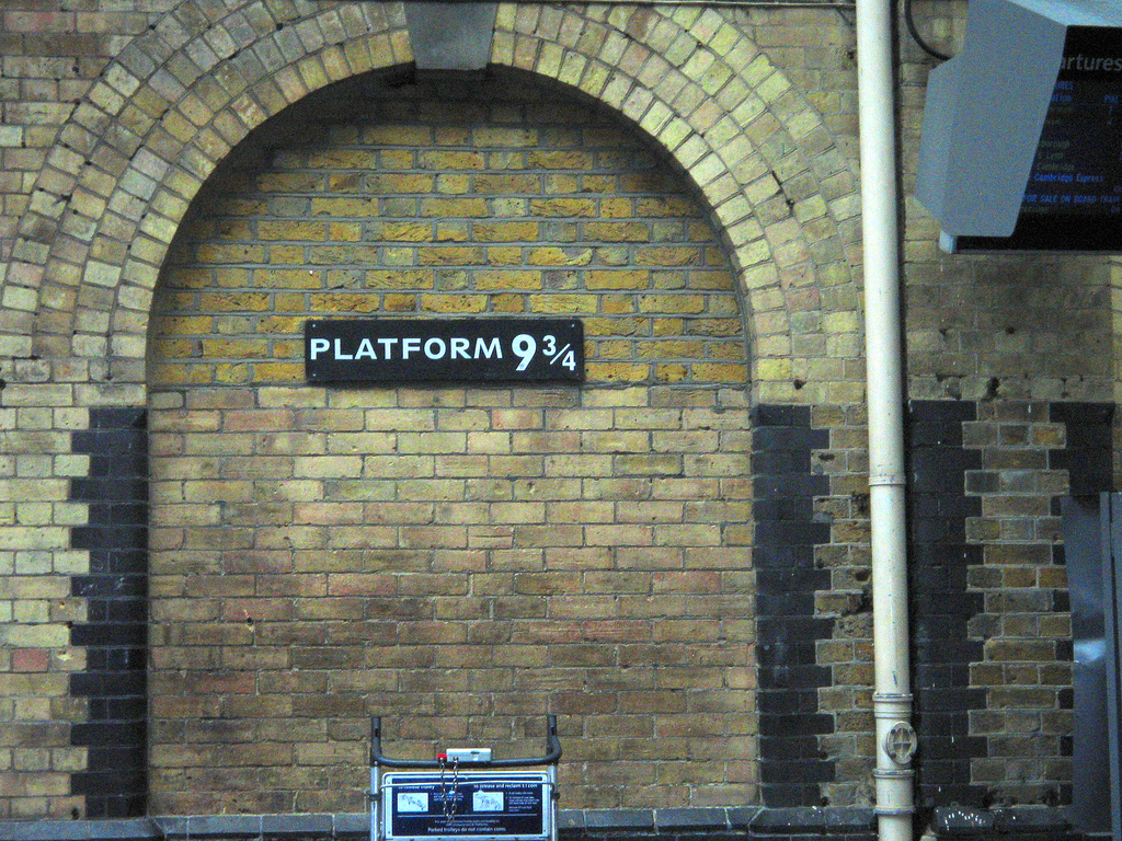 Harry Potter Platform 9 3/4 | ©Spixey / Flickr