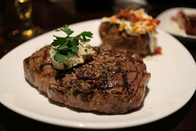 Ribeye Steak | ©Elsie Hui/Flickr