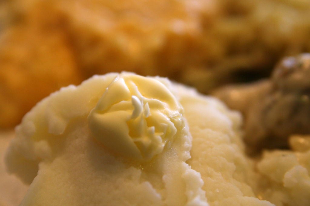 Mashed potatoes with a pad of butter | © Quinn Dombrowski/Flickr