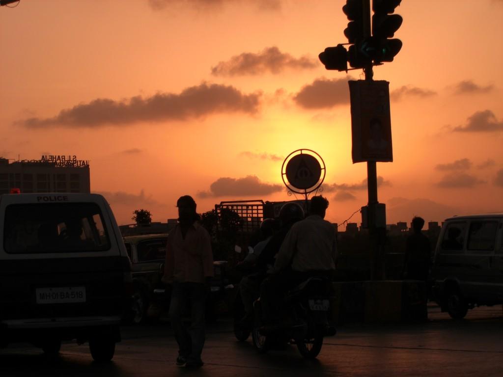 Mumbai during Sunset   ©Swaminathan/Flickr