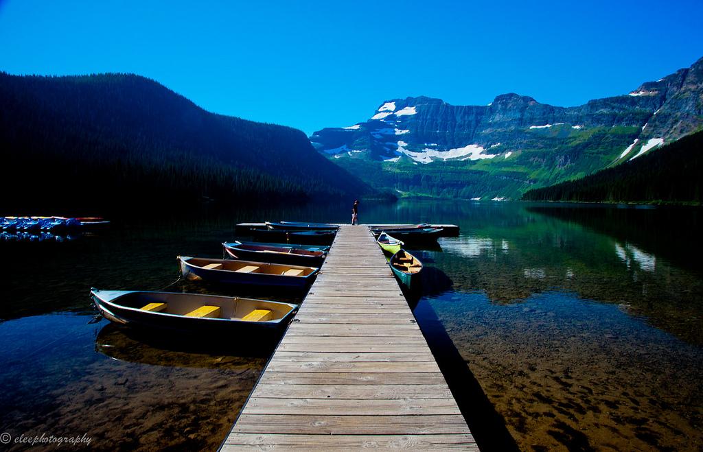 Cameron Lake at Waterton Lakes National Park   ©Esther Lee/Flickr