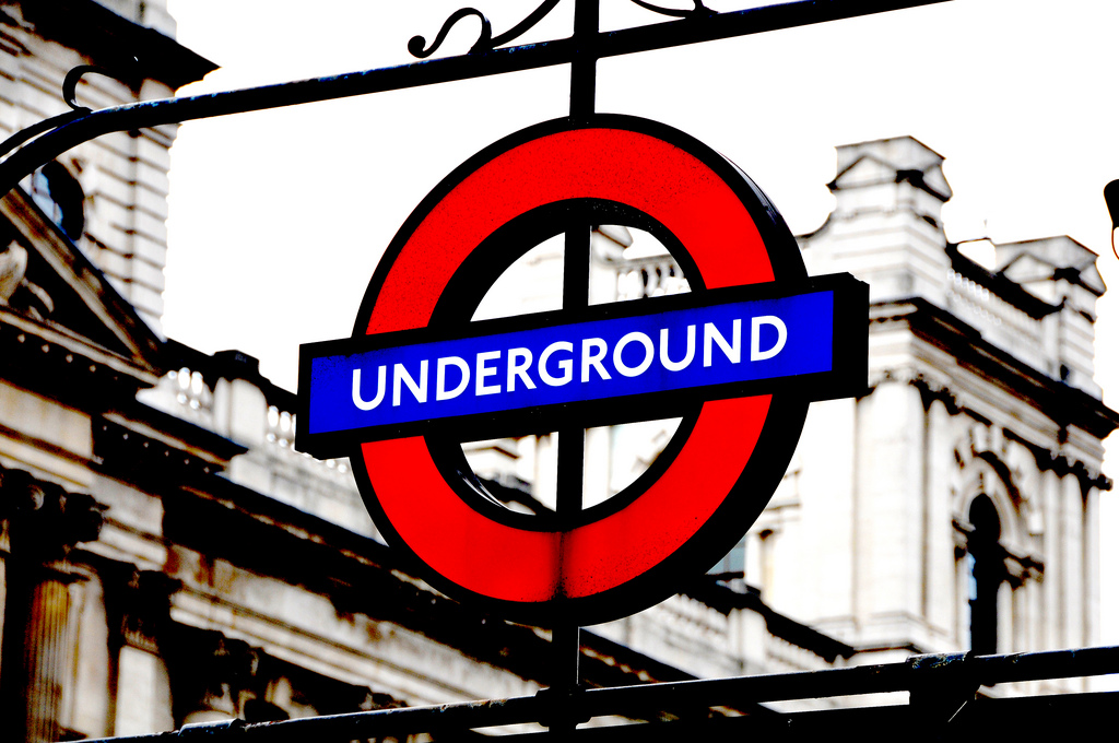 London Underground Sign | © Lee Crowley / Flickr