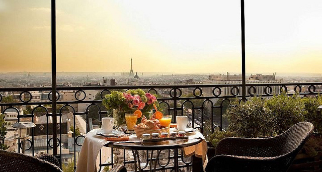 10 best rooftop restaurants in paris france. Black Bedroom Furniture Sets. Home Design Ideas