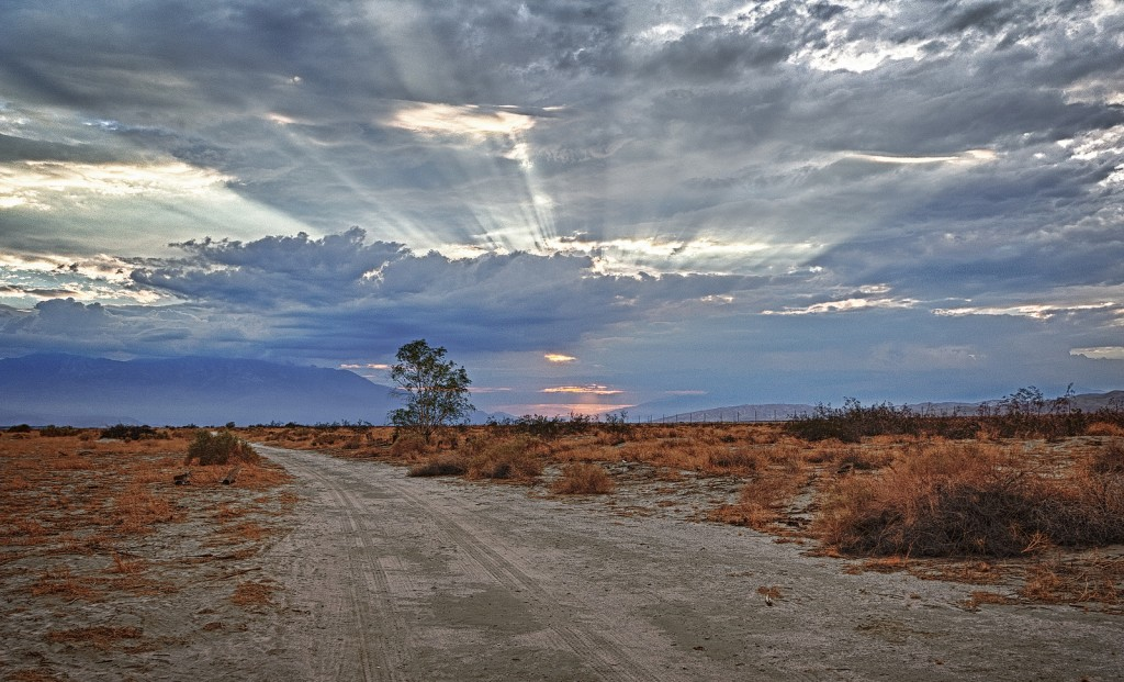 The clouds playing tricks on the sun from across The Coachella Valley Preserve © Randy Heinitz / Flickr
