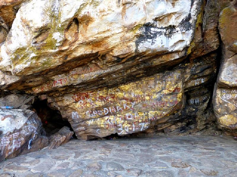 Saptaparni Cave| © Flickr/Photo Dharma