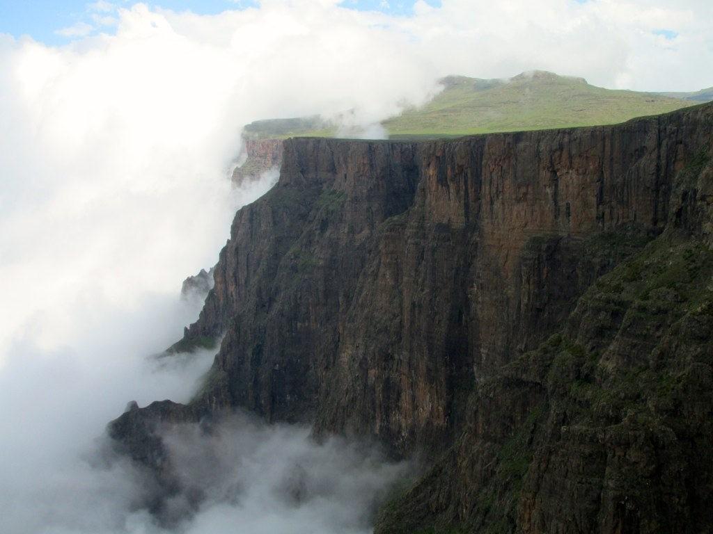 The Amphitheatre, Drakensberg, South Africa | © Rick McCharles/Flickr