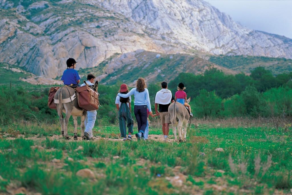 Balade à dos d'âne en famille©SCOPE -J. GUILLARD/ Courtesy of Fête de la Nature
