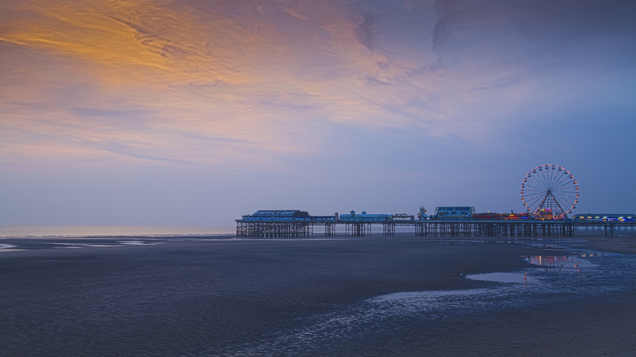 Blackpool Pier at Sunset | © Michael D Beckwith Flickr