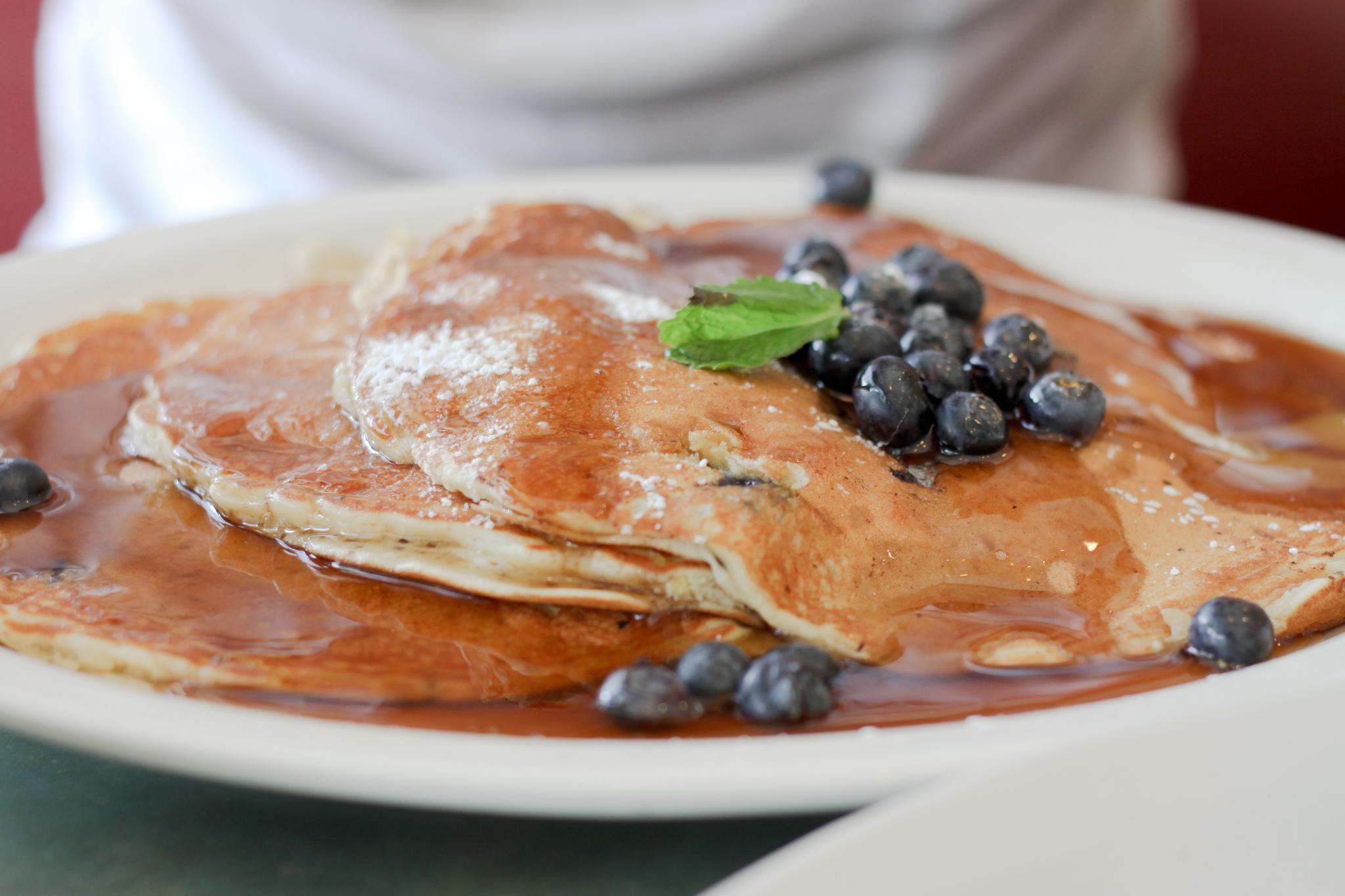 blueberry lemon pancakes| © haiderzs/flickr