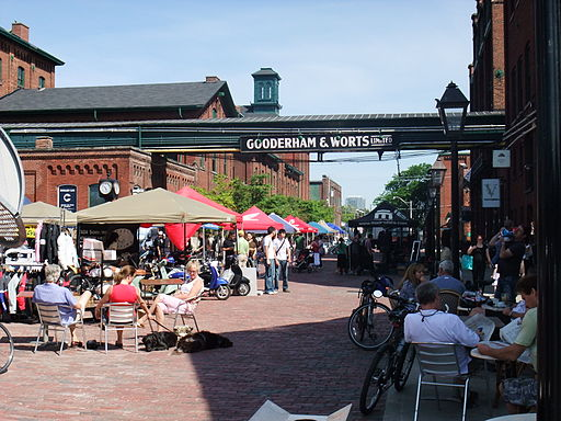 Festival at the Gooderham & Worts Distillery District, Toronto   © mark.watmough / WikiCommons