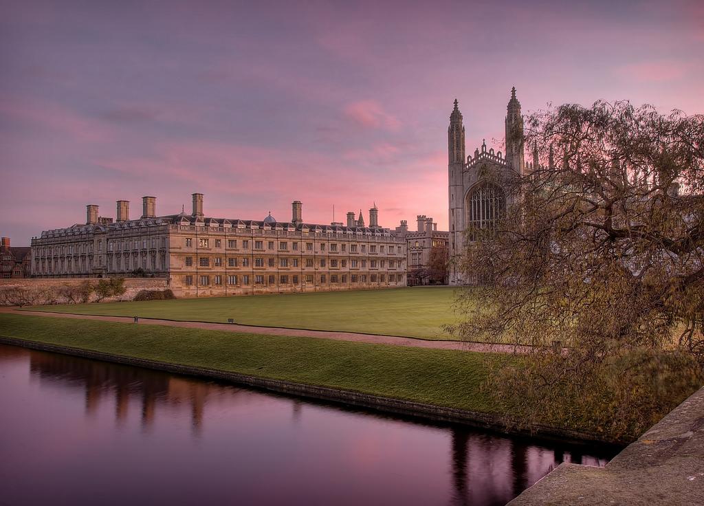 Cambridge at Dawn © | Alex Brown/ flickr