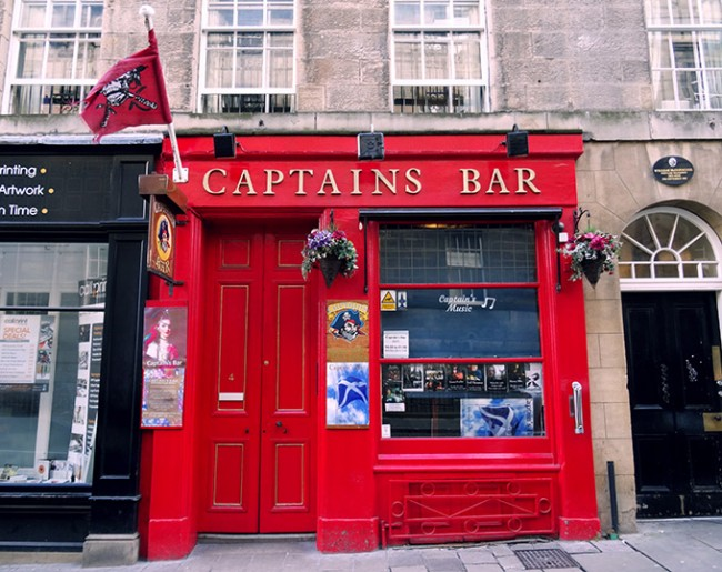 Captains Bar |© Helena Fornells