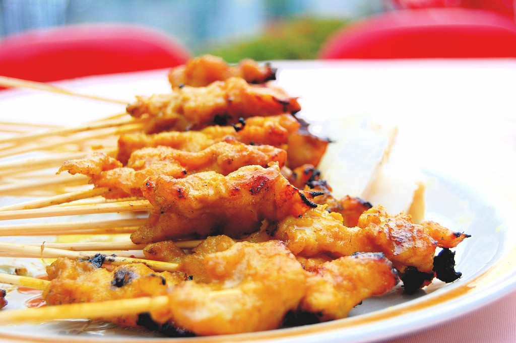 Chicken satay | © Wen Tong Neo/Flickr