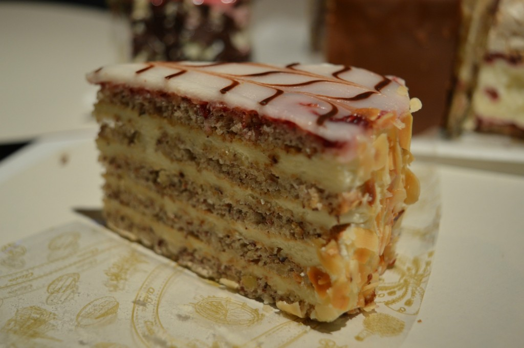 The Top Must Try Cakes And Pastries From Vienna