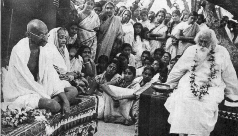 Tagore hosted Gandhi and Kasturba at Shantiniketan, 1940 | WikiCommons