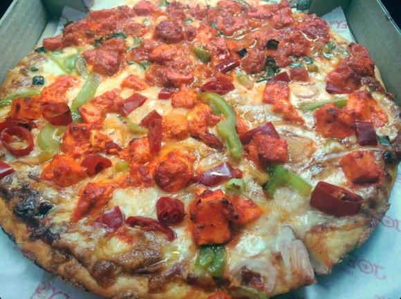 Half & Half Pizza (Paneer Makhani + China Gate) ©Zomato