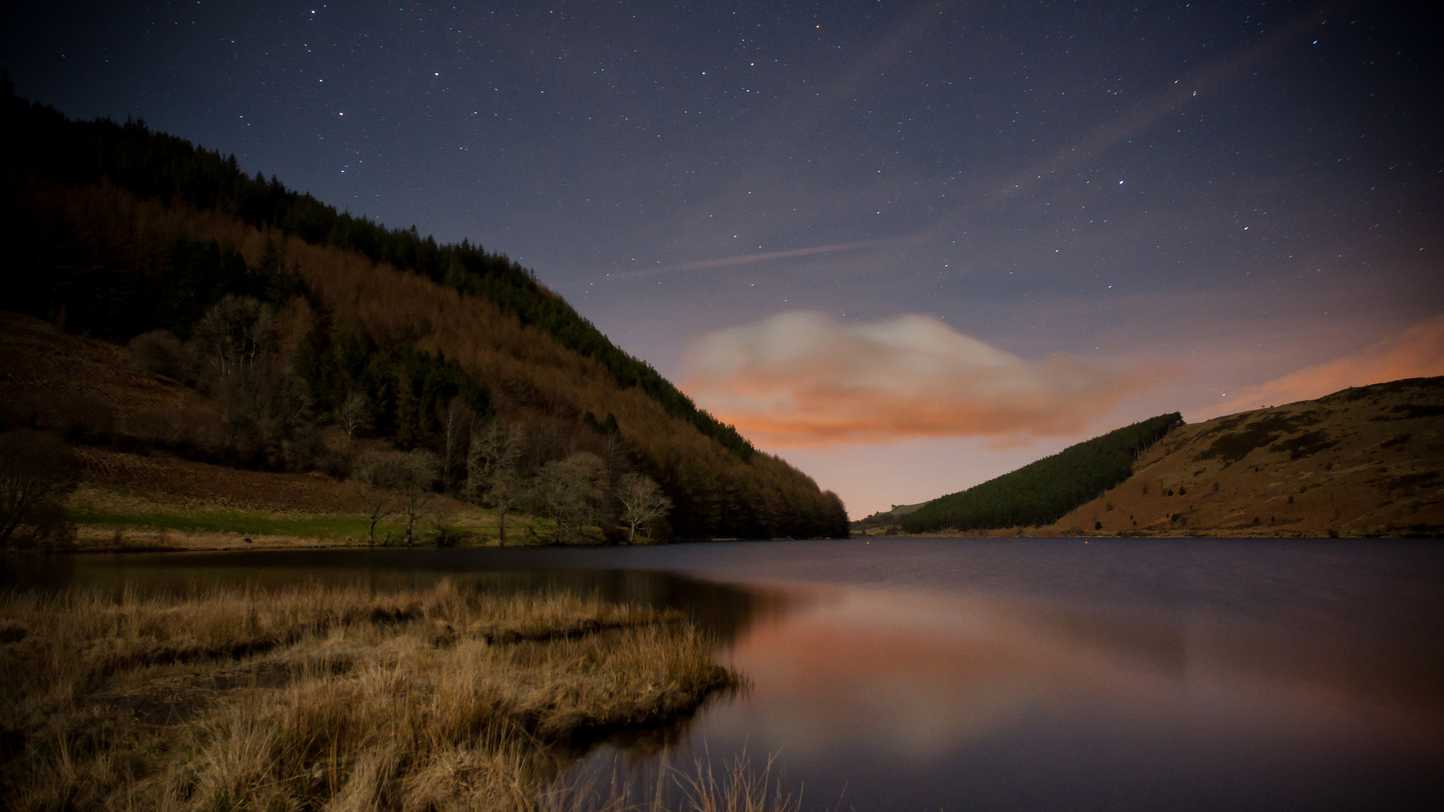 Llyn Geirionydd by Moonlight, Snowdonia | © Stuart Madden Flickr