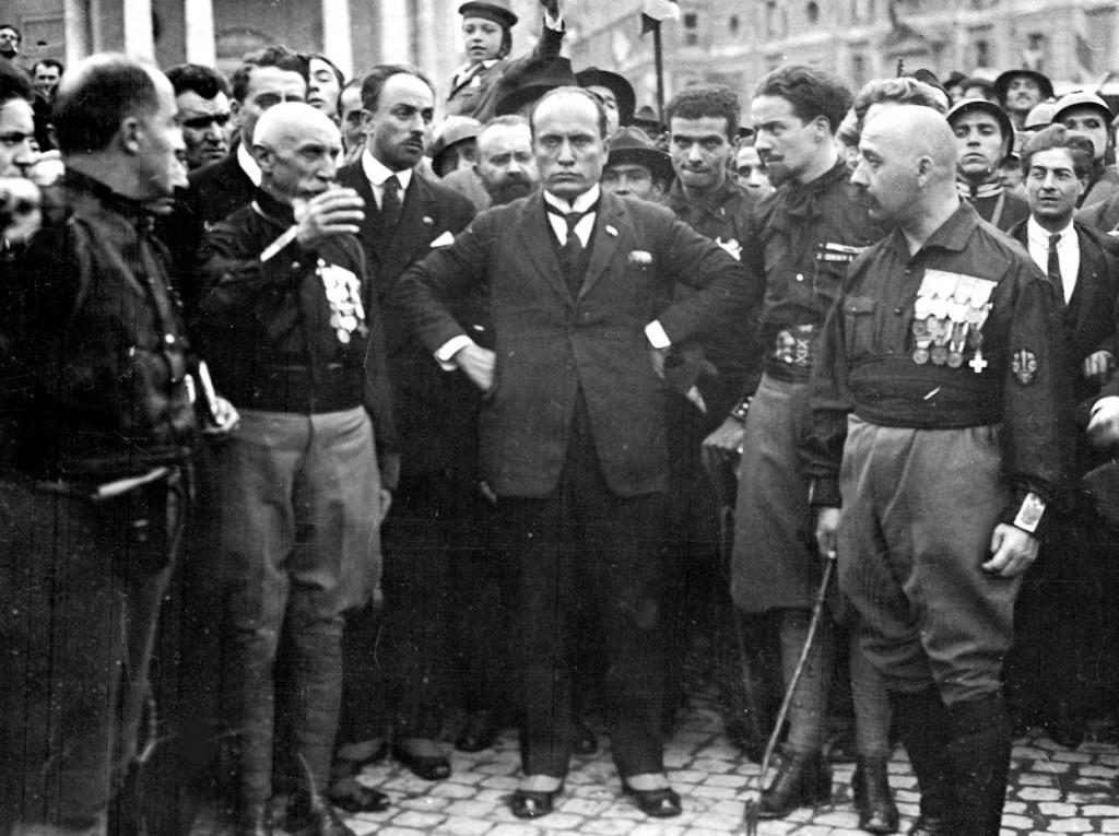 Mussolini center, Balbo to the right | © Wikicommons