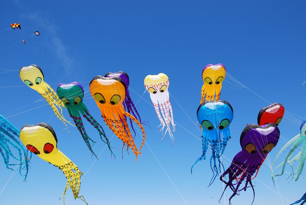 Octopi kites at the Berkeley Kite Festival | © May Wong/Flickr