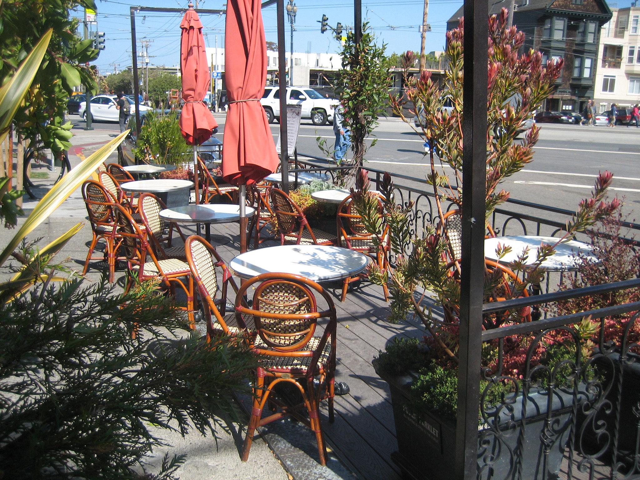 Squat & Gobble Cafe & Creperie Parklet at 3600 16th St © San Francisco Planning Development's Photostream/Flickr