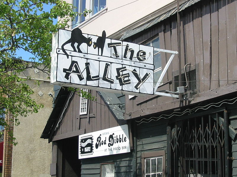 The Alley Bar © Binksternet/Wikimedia Commons