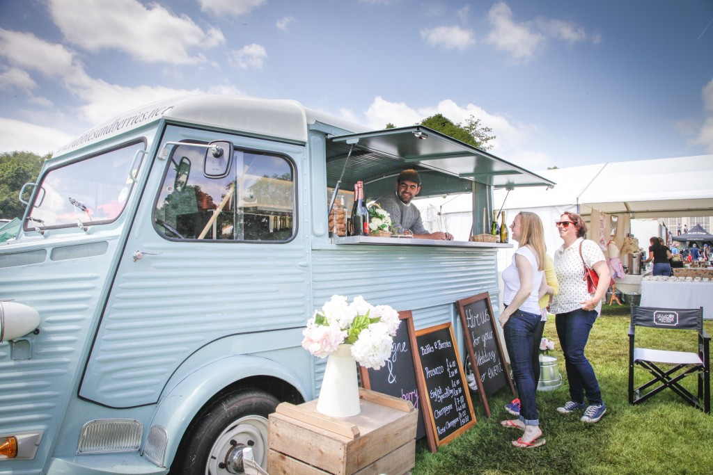 Prosecco Truck | Courtesy of Foodies Festival