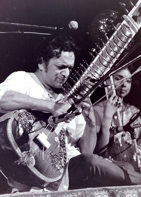 Ravi Shankar/©Markgoff2972/WikiCommons