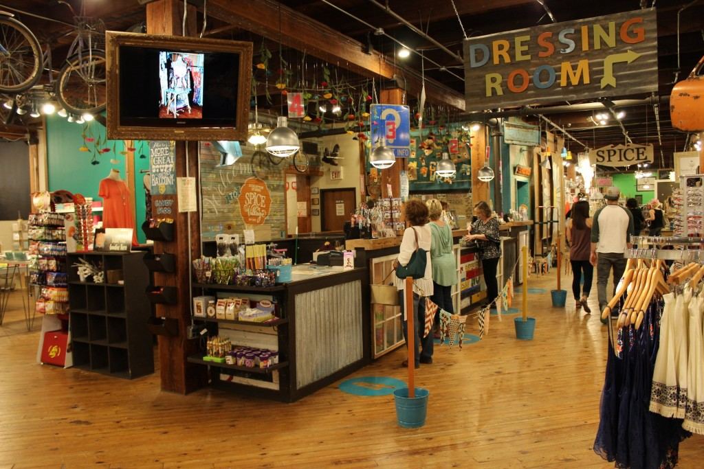 Best Shopping In Waco Texas For Home Decor And Antiques: 10 Things To Do In Waco Besides Visiting Magnolia Market