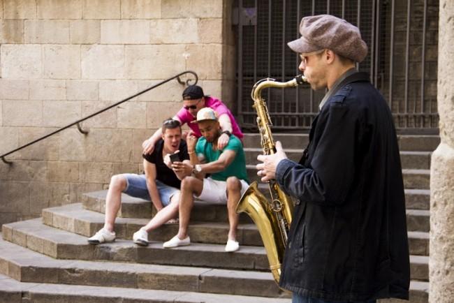 Musician In Sant Iu's Square ©David Barreda