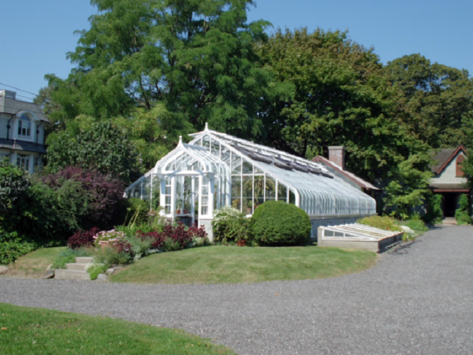 Spadina House Greenhouse 2012 | © julie corsi/Wikicommons