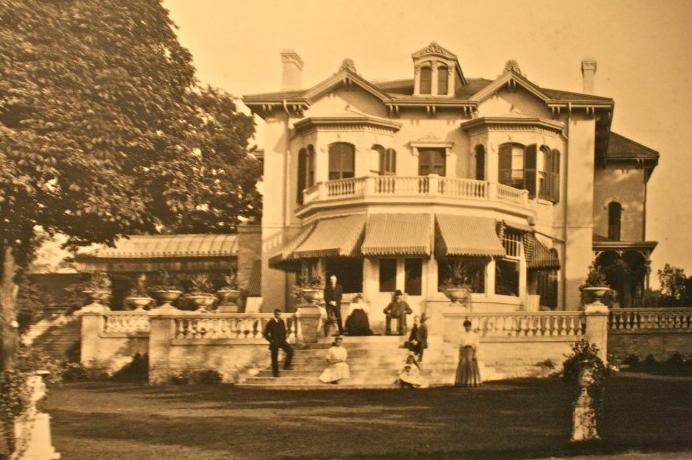 Spadina House | Public Domain via Chestnut Park / Toronto-St. Paul's Liberals