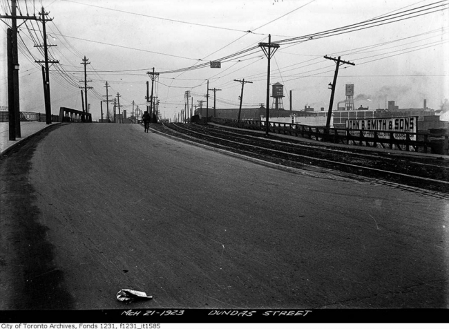 Dundas Street bridge west to Sterling Road | Public Domain/City of Toronto Archives