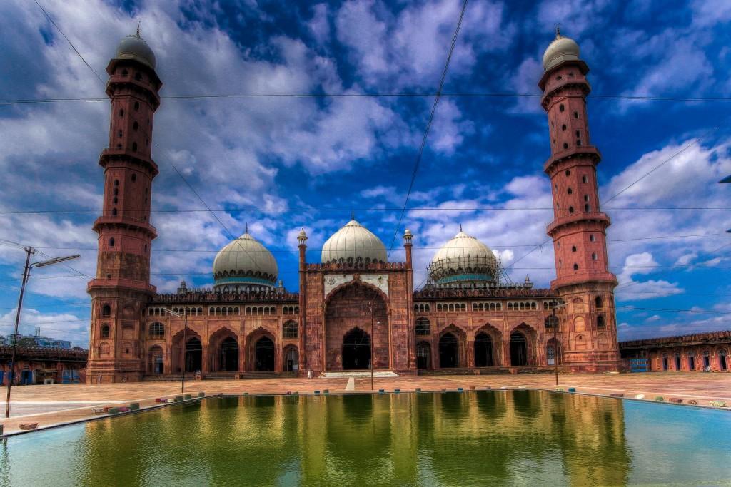 Taj-ul-Masajid, Bhopal, India (C) Anil Gulati