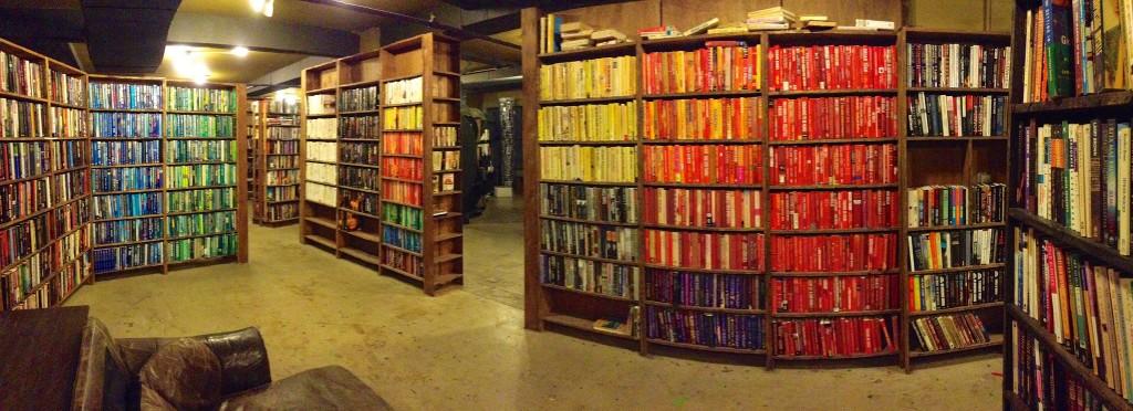 The Last Bookstore © Akos Kokai / Flickr