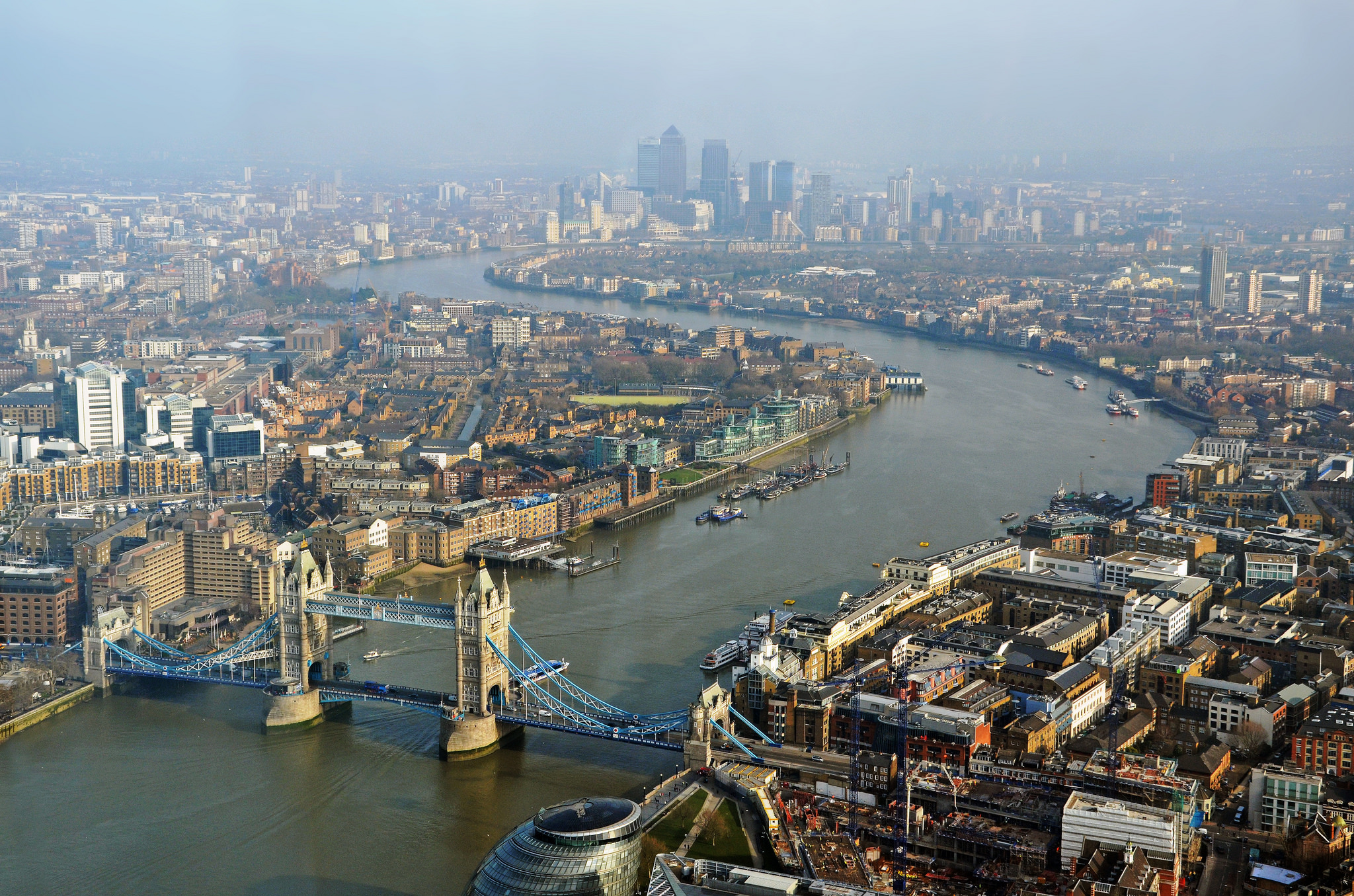 Tower Bridge and the Thames from the Shard © | DncnH/ flickr
