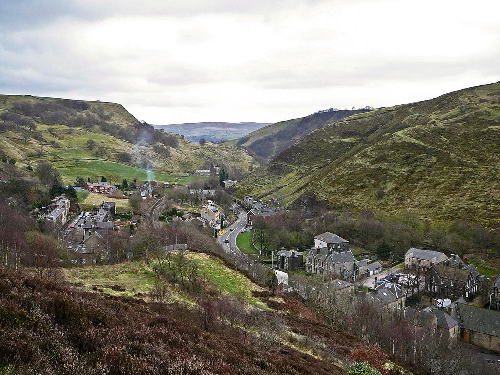 Upper Calder Valley, the Yorkshire Moors © | Tim Green/ Flickr