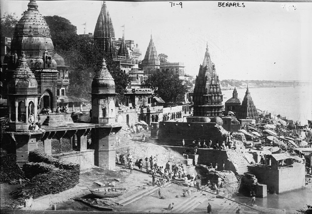 Varanasi Ghats, 1922/©Unknown /WikiCommons