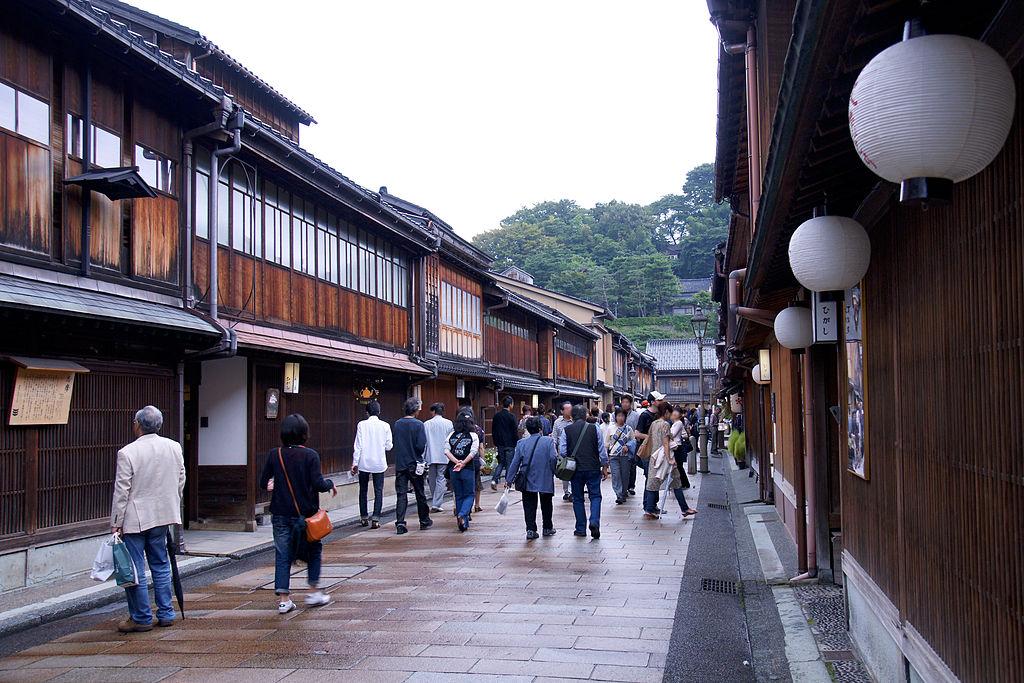Kanazawa's Higashi Chaya District | 663 Highland/WikiCommons