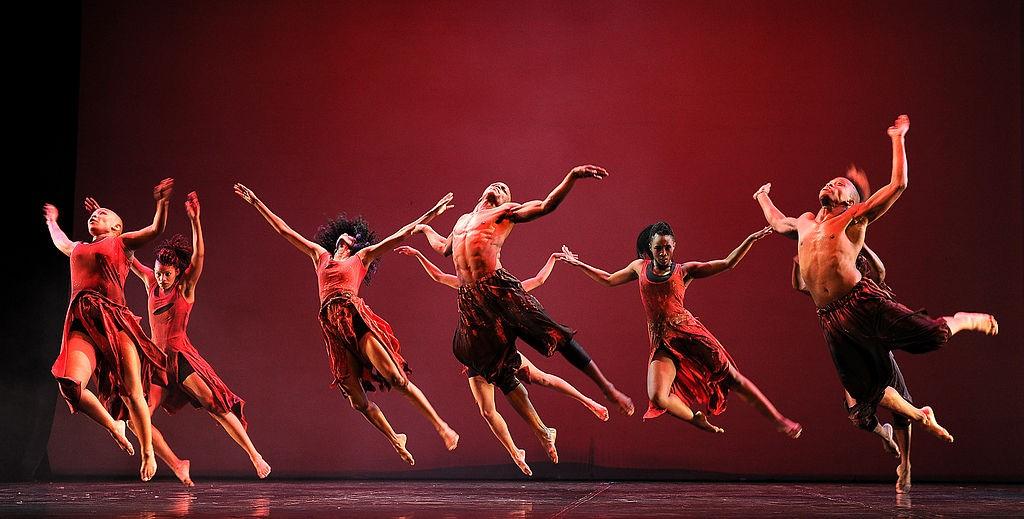 1024px-Jazzart_Dance_Theatre_-_69185