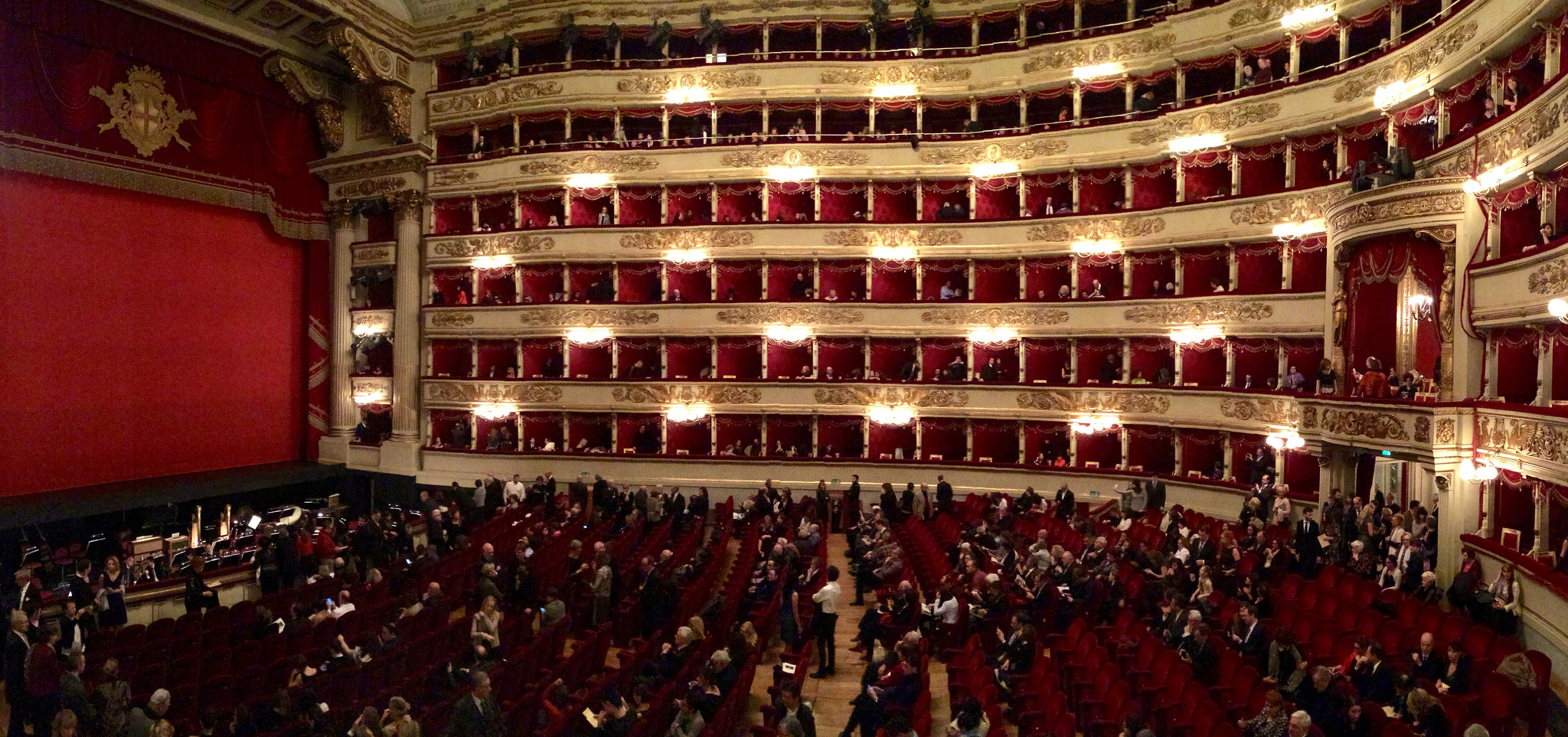 La Scala, Milan | © Anna & Michal/Flickr